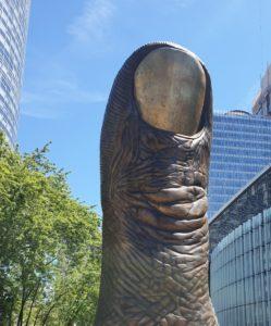 Le Pouce (Sculpture de César quartier de la Défense)